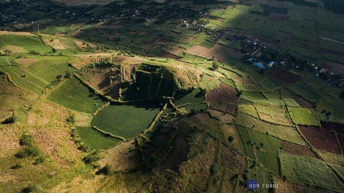 Miệng núi lửa Chư Đăng Ya qua góc máy flycam