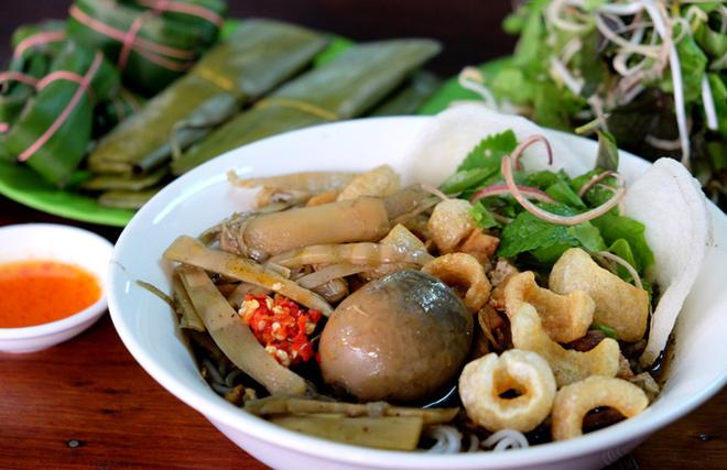 Bún cua thối, món đặc sản nổi tiếng ở phố núi Pleiku - 1