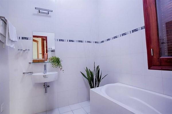 Bồn tắm sang trọng và tiện nghi