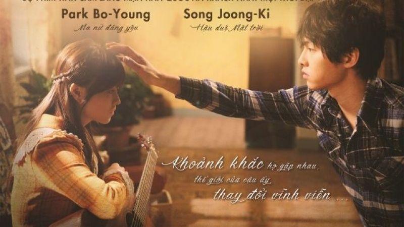 Khi Su Ni đã trở thành bà lão 60 tuổi quay trở lại ngôi nhà cũ thì Choel Soo vẫn là chàng trai tuổi 20