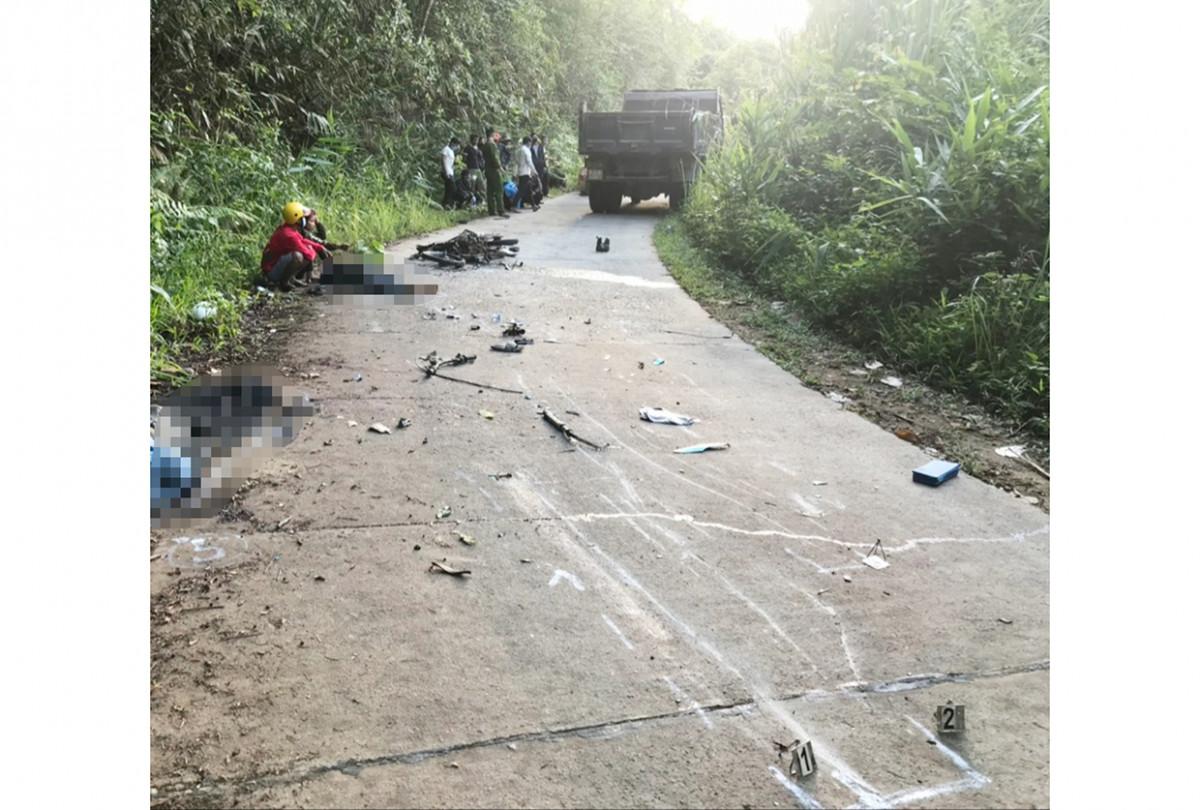 Gia Lai: Xe ô tô tải tông xe mô tô, 2 người tử vong