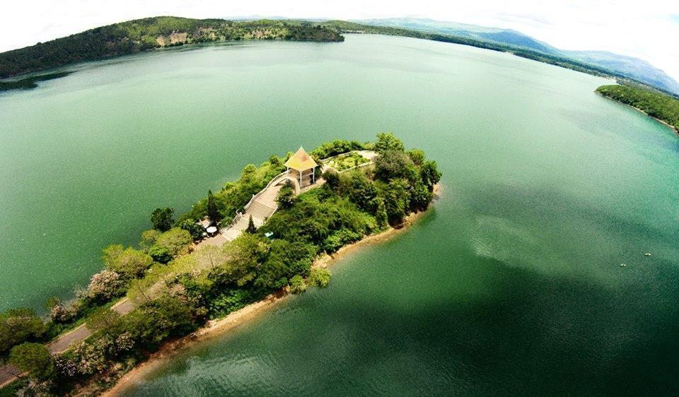 Hồ T'Nưng ở đâu? Điểm đến mà bạn không nên bỏ lỡ khi đến Gia Lai