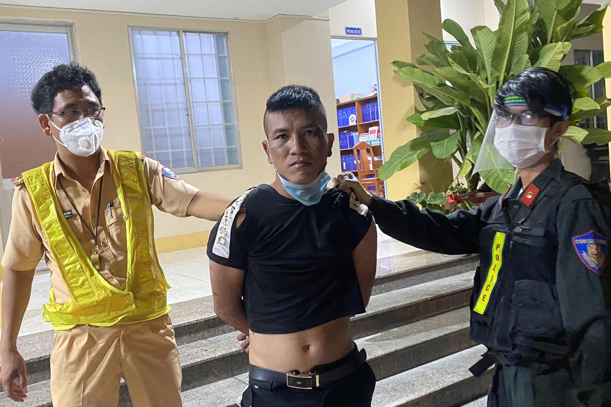 """Thanh niên Gia Lai trộm xe tải ở Bình Định, """"thông chốt"""" kiểm dịch Bình Thuận"""