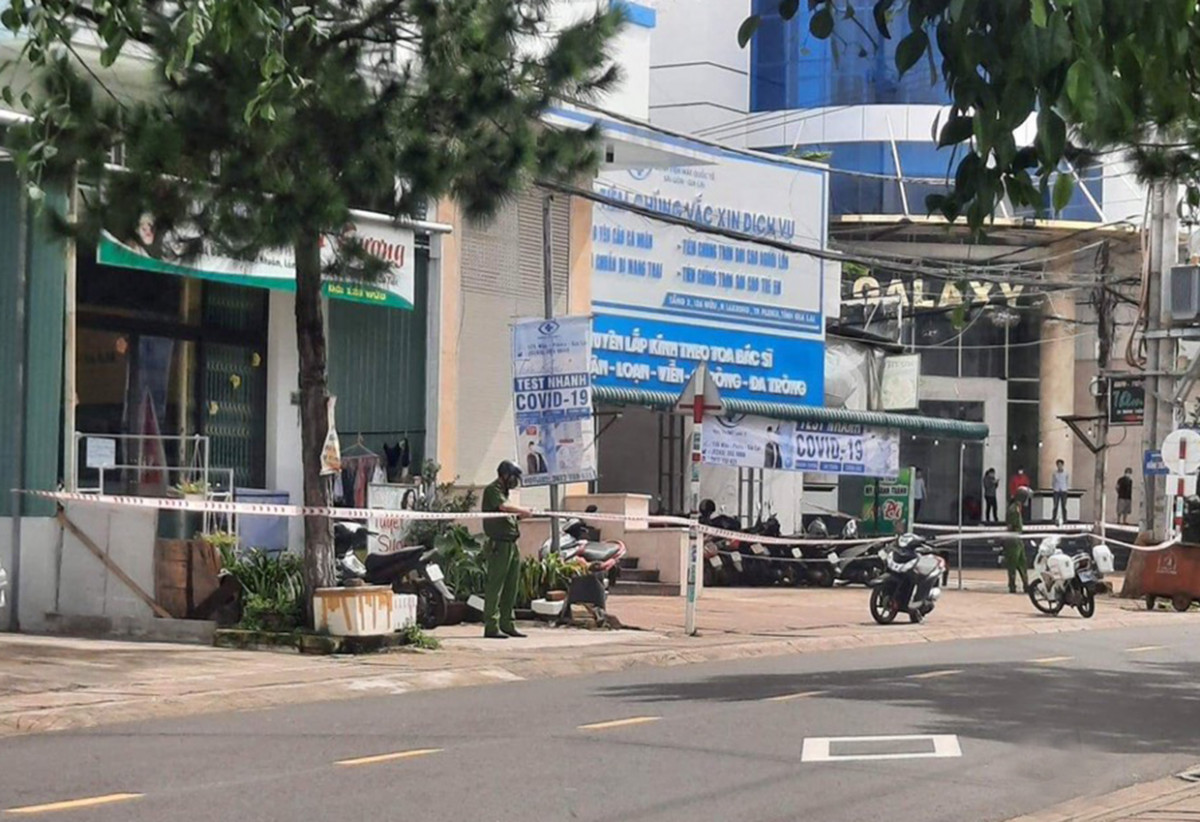 Pleiku: Phong tỏa bãi xe, khoanh vùng tạm thời các điểm liên quan mốc dịch tễ ca mắc Covid-19 mới trong 72 giờ